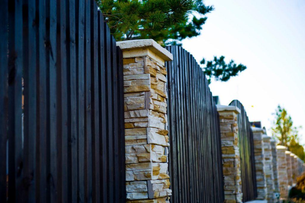 Backyard Fence Installation, Tallahassee FL